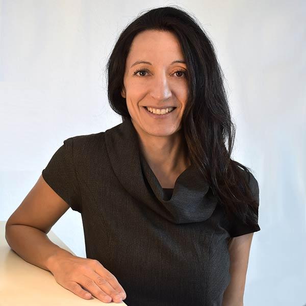 Ioanna Michopoulou Stoumpou | Trainerin • zertifizierter Coach • Juristin